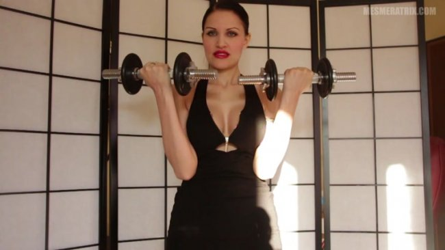 Lady Mesmeratrix - Building my biceps!
