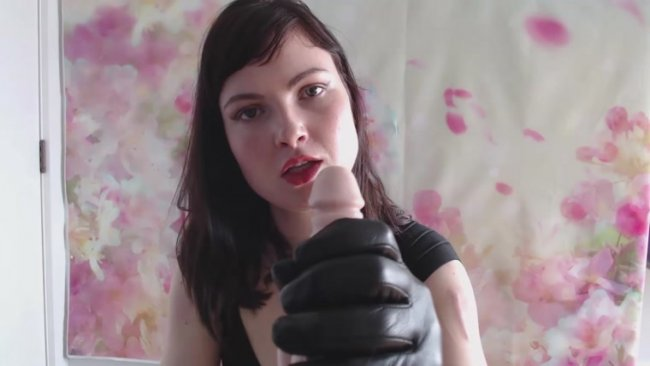 Fox Smoulder - Leather Gloves Dicklet Humiliation