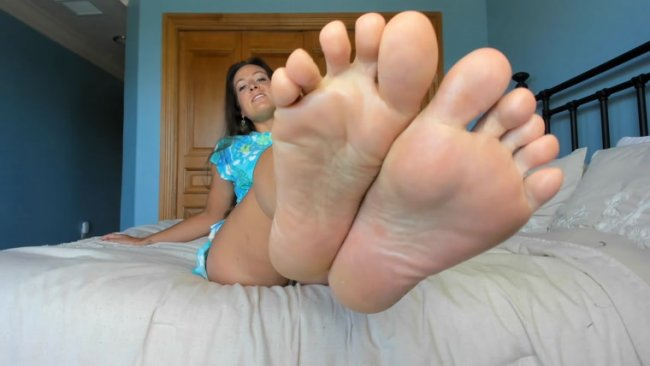 Princess Fierce - Call Me Mommy, Cum To Feet