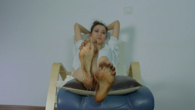 Dominant Femine - Lick Feet Of Seiko Asian Princess