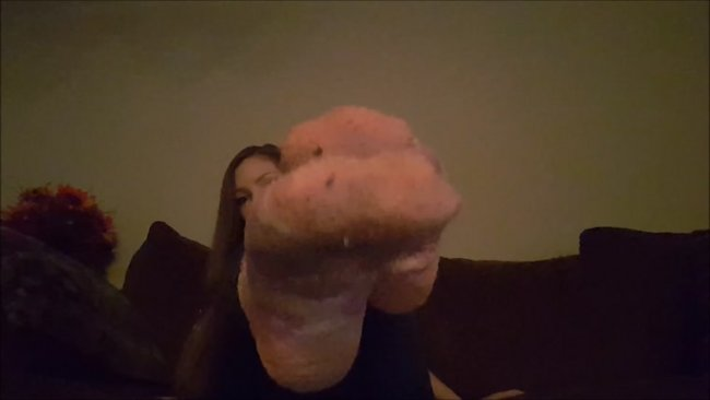 Goddess Bri Bri - Stinky sock worship!