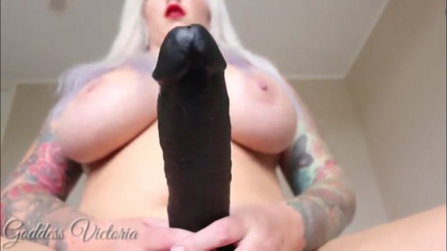 Goddess Victoria - Choke on it
