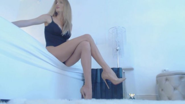 Exquisite Goddess - Legs and Heels Worship