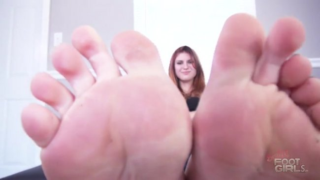 Bratty Foot Girls - Goddess Zoe - Becoming Zoe's Foot Bitch