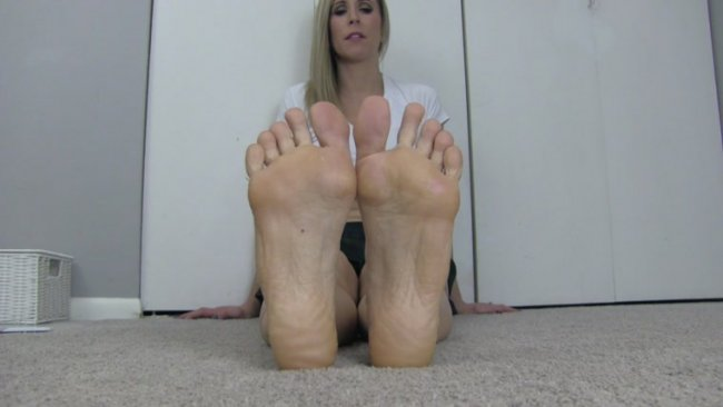Princess Lyne - Made to Worship My Soles