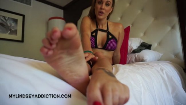 Lindsey Leigh - Draining Your Wallet For My Feet