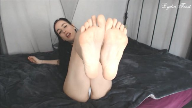 Lydia Frost - Edge to Lydia's Feet and Body