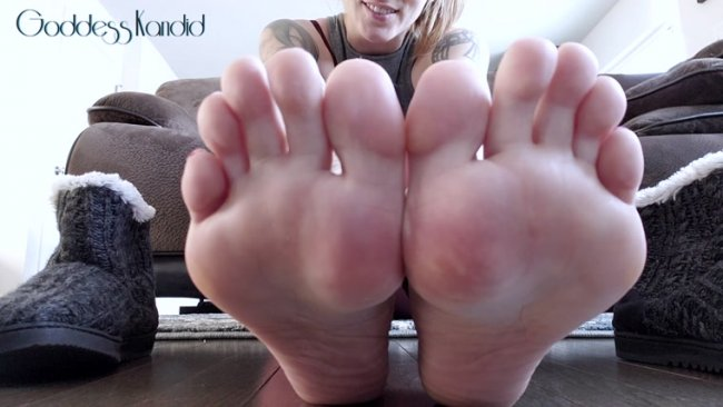 Goddess Kandid – Jerk It To My Warm Sweaty Soles
