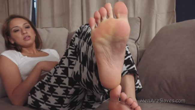 Princess Sara – Foot Slave Training