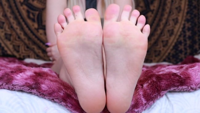 Kat Soless - Close Up Soles JOI