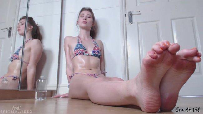 Cum fetish footjob oil real soles toes