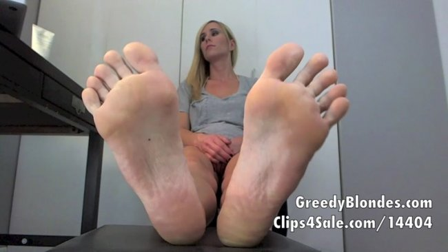 Princess Lyne - Beg to be Enslaved by Feet