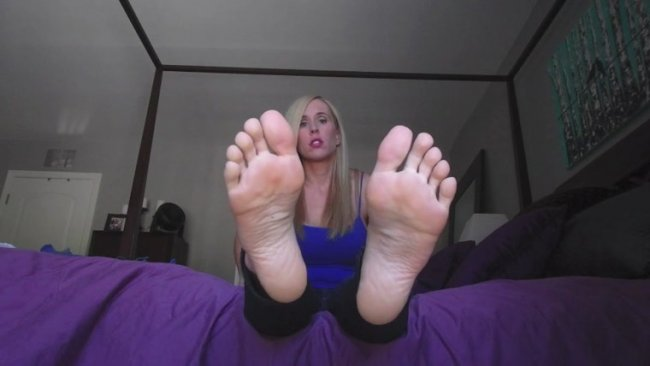 Princess Lyne - In Deep for My feet