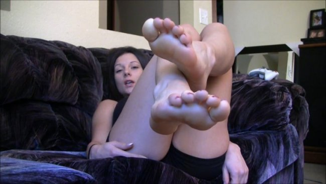 Mandy Flores – Cum on my perfect feet