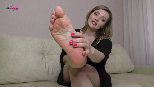 Miss Honey Barefeet - P0Prs Anal Foot Slut