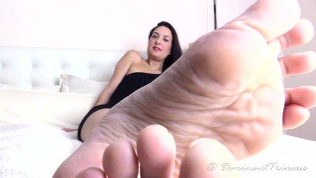 Dominant Princess - Lick My Sweet Soles