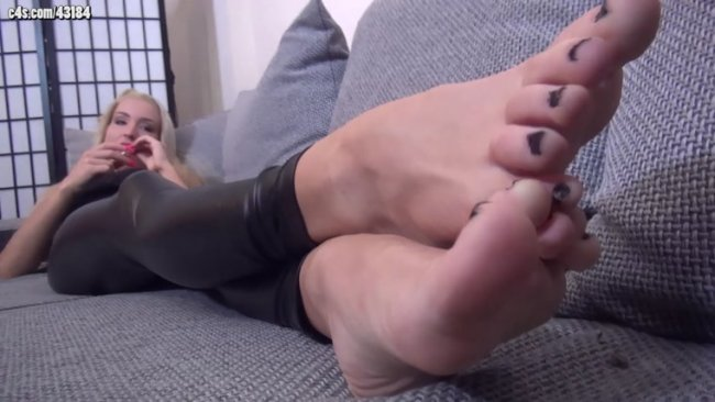 Foxy Fetish Beauties - ARIEL - Smoking And Sunbathing My Sexy Feet - Foot Fetish And Teasing