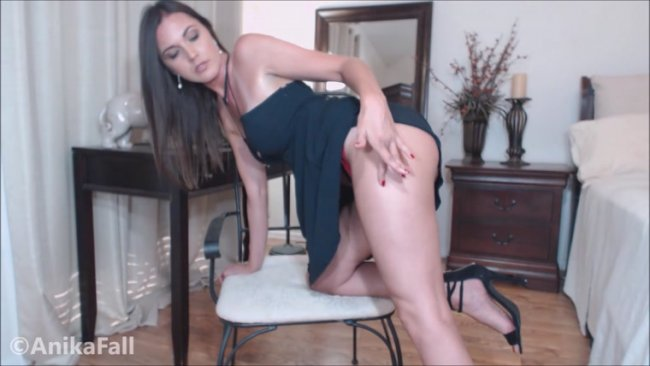 Anika Fall - Legs and Eyes mesmerize Seduction