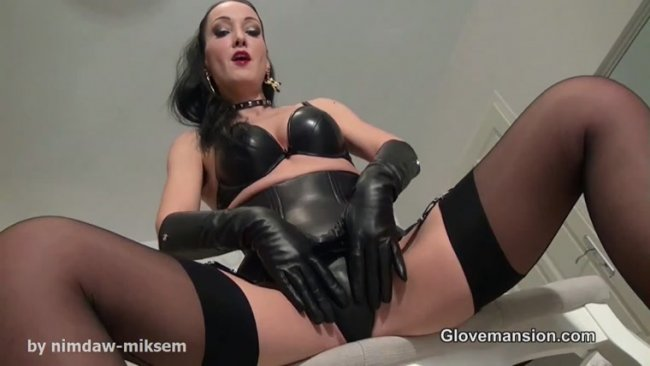 Jerk off to My black leather gloves