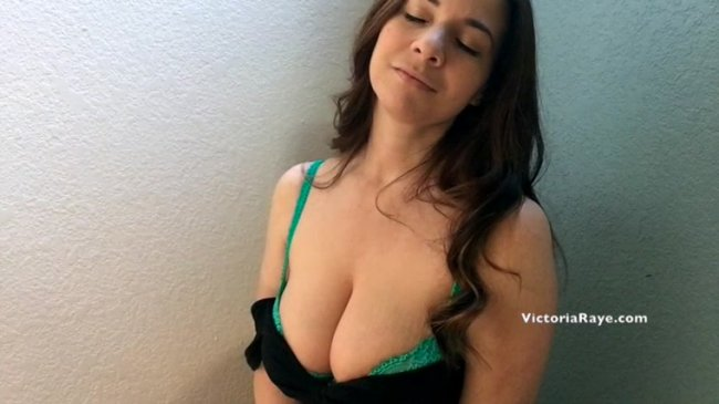 Victoria Raye - Mesmerized by my Big Tits