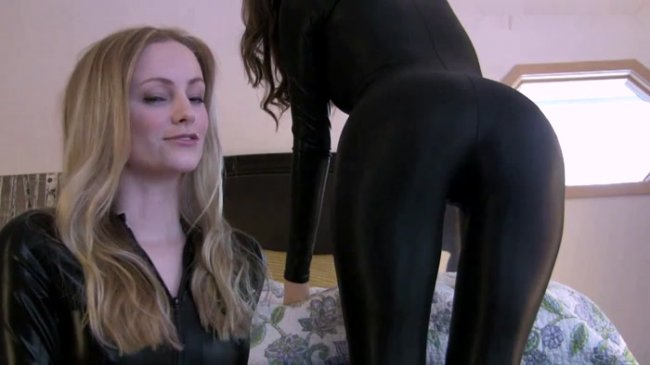 Goddess Brooke, Goddess Vikki - Weak for Ass Twins Brooke and Vikki