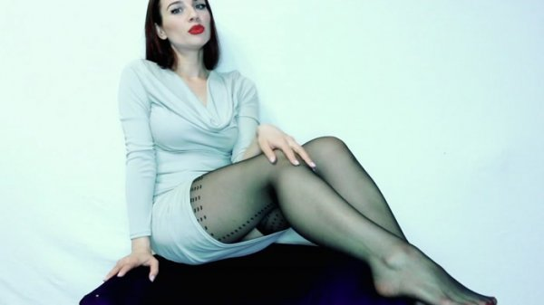 Miss Eva Noir - Break Up For My Feet