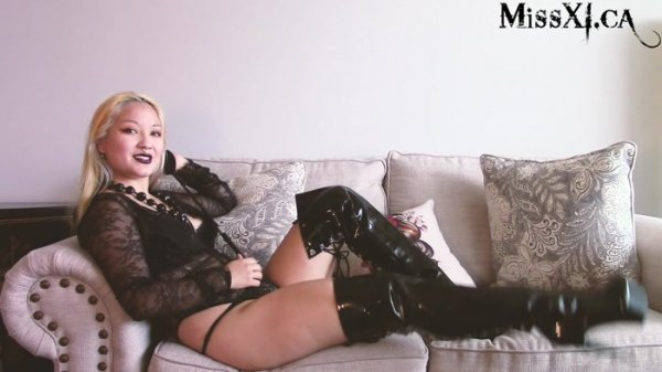Miss Xi - A Chat about Ballbusting