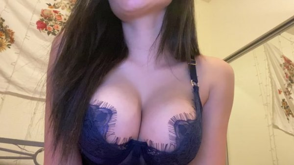 Findom Princesa - Jerk Off to My Tits