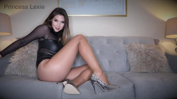 Princess Lexie - Your Pantyhose Obsession