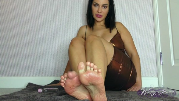 Worship Jasmine - Oiled Feet