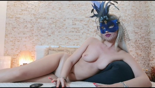 Goddess Natalie – Masked Goddess ignores you during private
