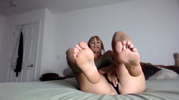 Miss Jade - Step-M0mmys Tiny Dick BBC Cuck