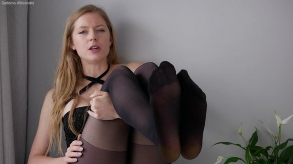 Goddess Allexandra - Pantyhose Bitch