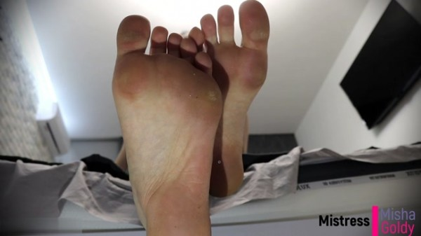 Mistress Misha Goldy - Quick Cumming to My Feet while Unlocked