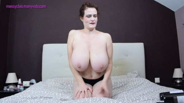 Messy Cleo - What can I hold between my boobs