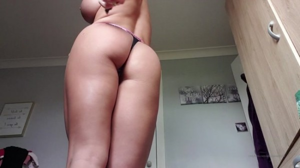 Anastasiaxxx89 - I Used to be Embarrassed About My Thick Legs Thighs But Now I Love Them
